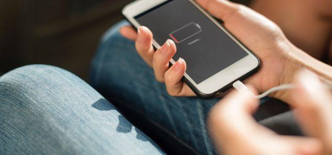 Quatre smartphones antichocs abordables à découvrir